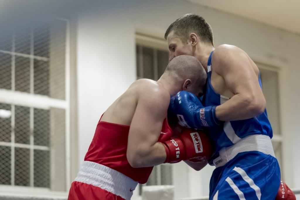 Tallinna MV poksis: Eduard Piirisild võitis poolfinaalis Kristian Tuisku