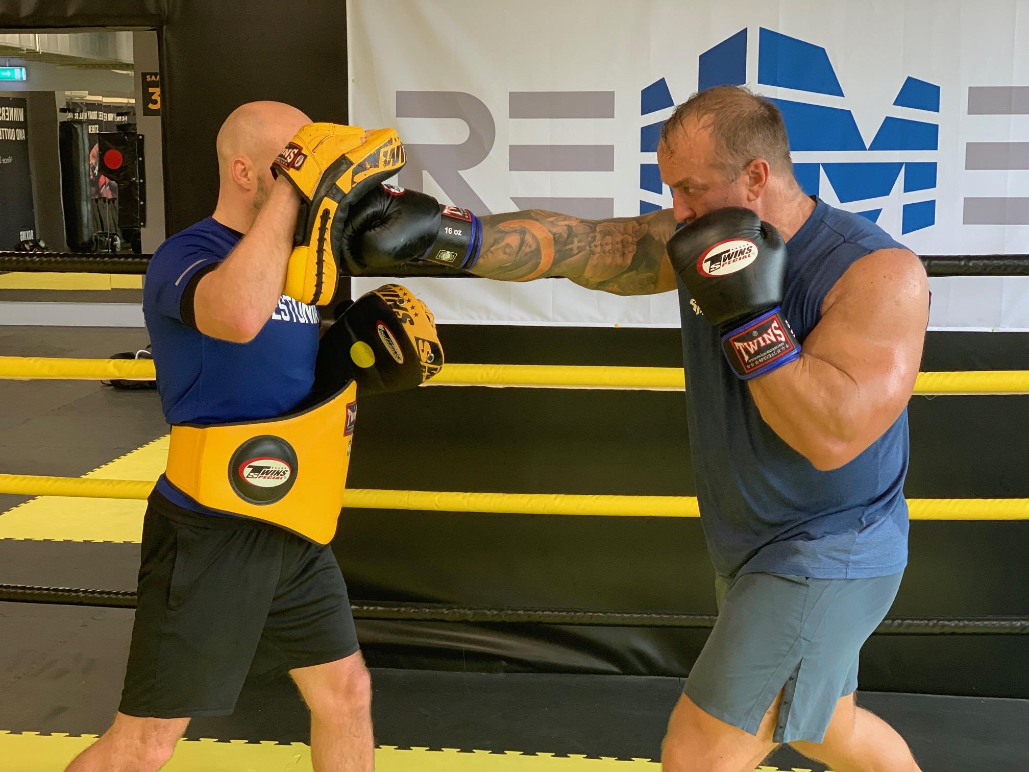 Kevin Renno Võitlusspordi Akadeemia tegi suveks ühekuised tai poksi proovikuud