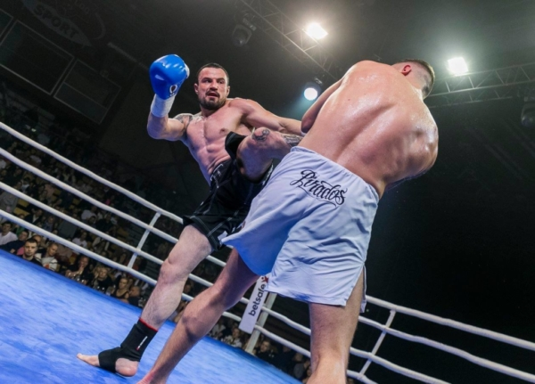Duel 1 Fight 040