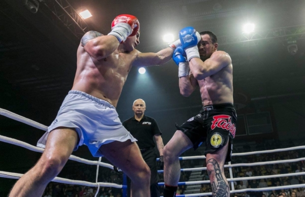 Duel 1 Fight 049
