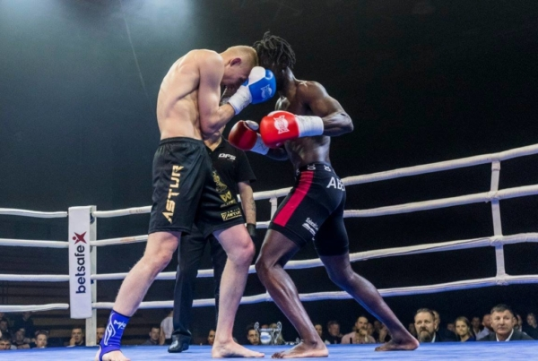 Duel 1 Fight 086